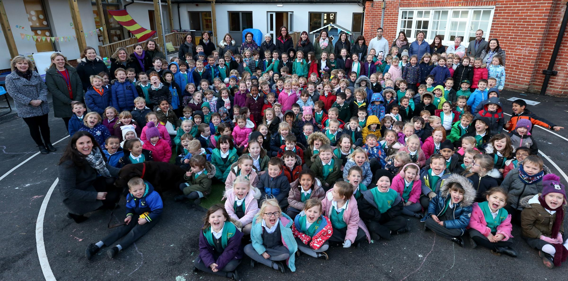 Staff and pupils celebrate their Good Ofsted report, North Baddesley Infant School.              Picture: Chris Moorhouse             Thursday 30th November 2017