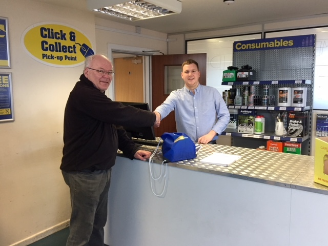 ASAP's Fareham branch supervisor Tom Stot=, greets Andt Starkie at the new trade counter