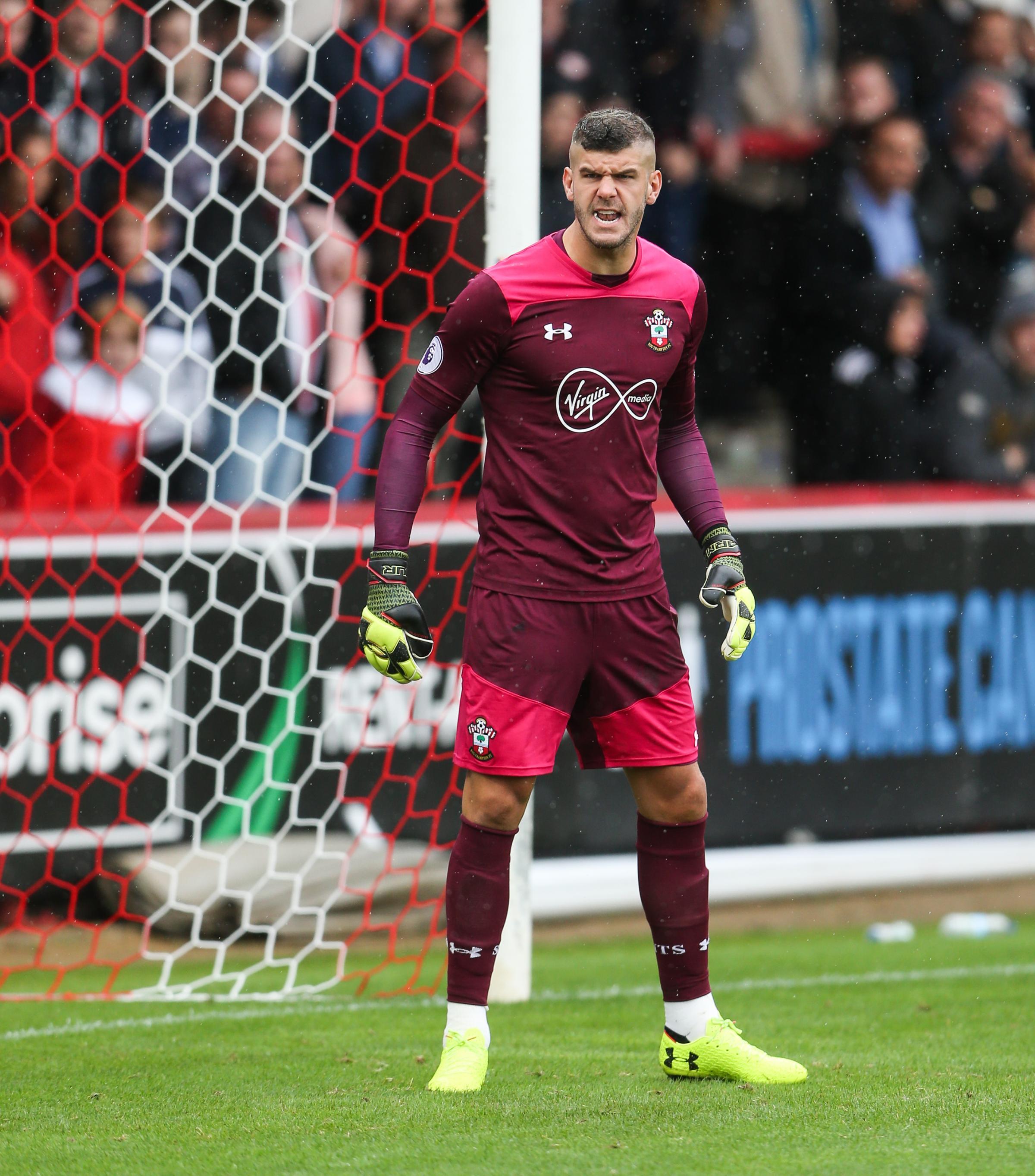 Southampton goalkeeper Fraser Forster has joined Celtic on loan
