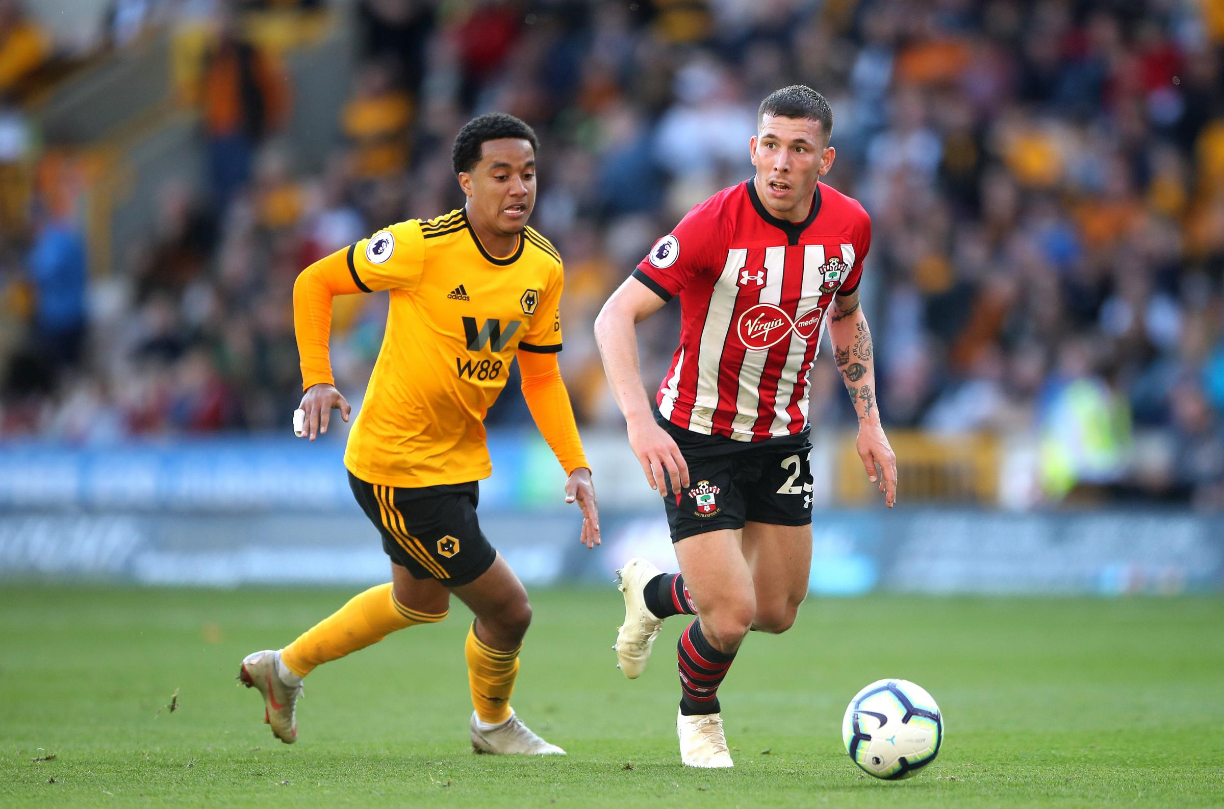 Pierre-Emile Hojbjerg carries the ball forward against Wolves